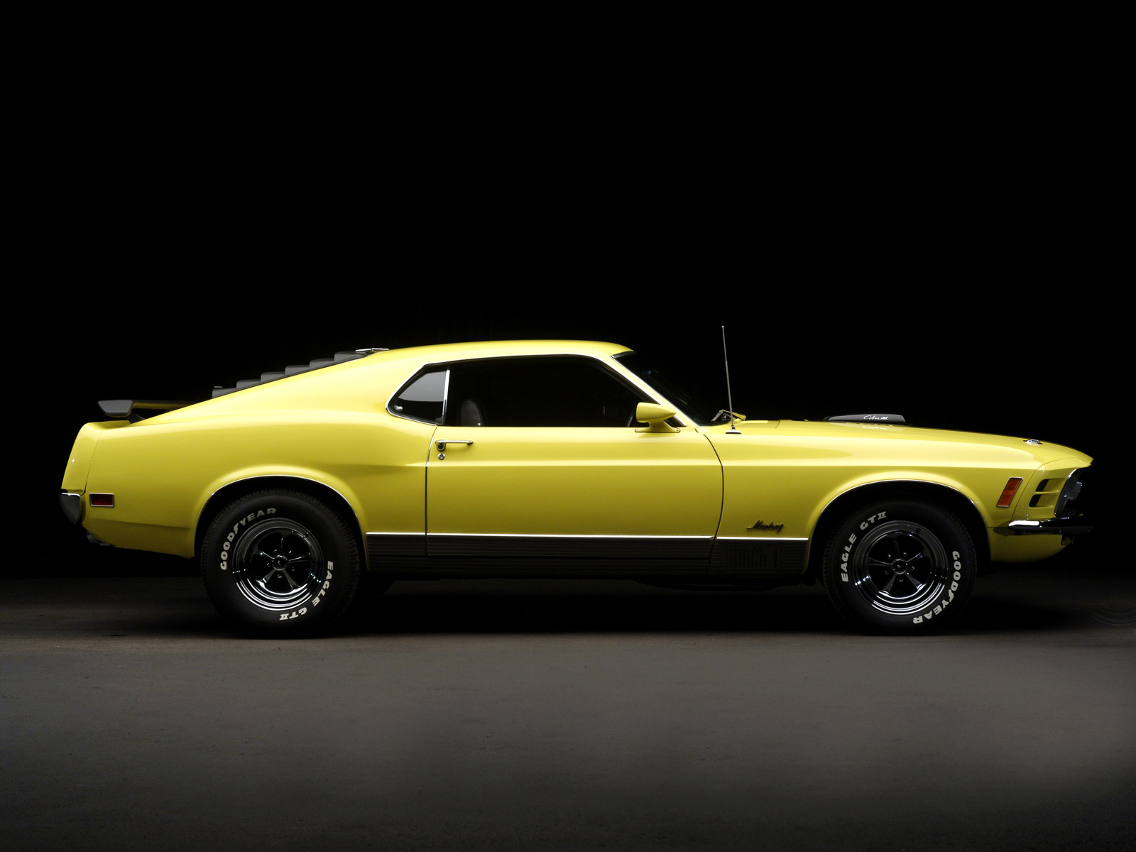 1970 ford mustang mach 1 thoughts on automotive design. Black Bedroom Furniture Sets. Home Design Ideas